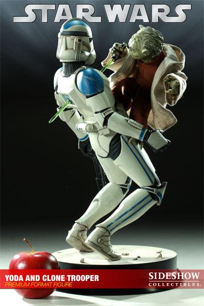 STAR WARS: YODA AND CLONE Premium format Yoda-and-clone-7216-10