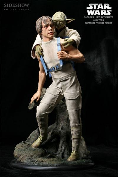 STAR WARS: LUKE AND YODA DAGOBAH Premium format Luke-yoda-dagobah-7148-01