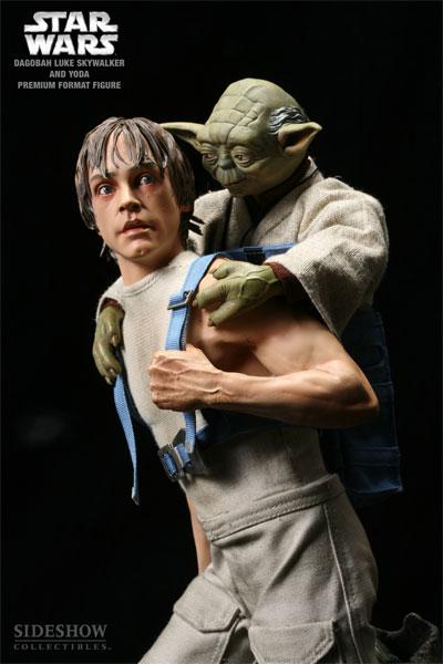 STAR WARS: LUKE AND YODA DAGOBAH Premium format Luke-yoda-dagobah-7148-03
