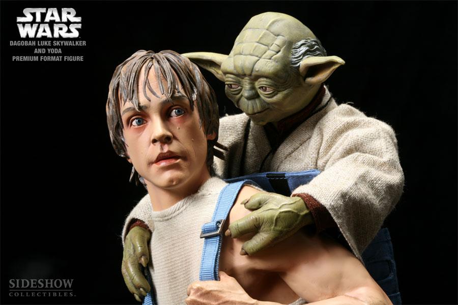 STAR WARS: LUKE AND YODA DAGOBAH Premium format Luke-yoda-dagobah-7148-05