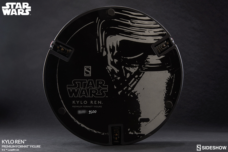 STAR WARS: KYLO-REN Premium Format  Star-wars-kylo-ren-premium-format-300423-14