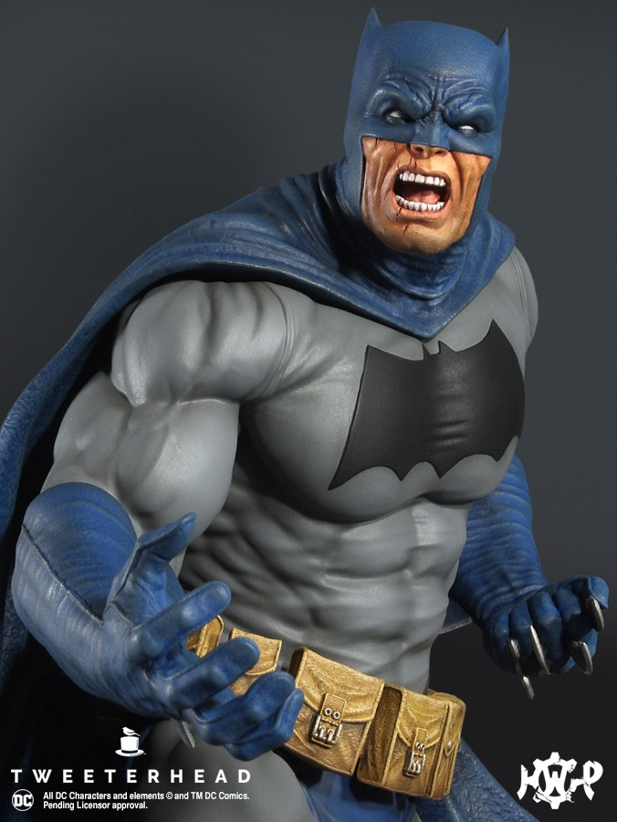 Dark Knight  1.6 Batman Maquette  Dark-Knight-1.6-Batman-Maquette-2