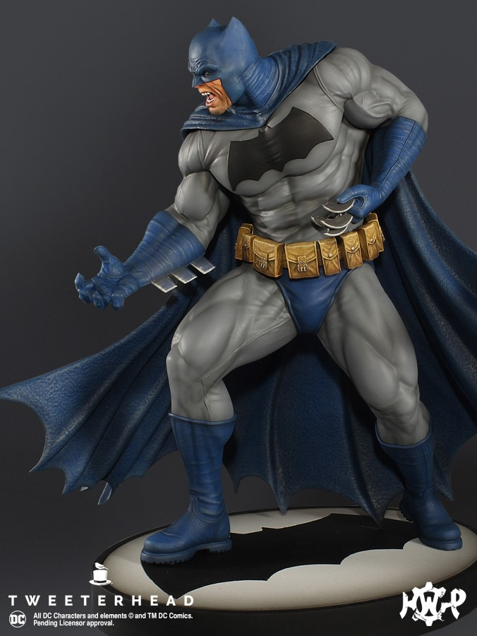 Dark Knight  1.6 Batman Maquette  Dark-Knight-1.6-Batman-Maquette-3