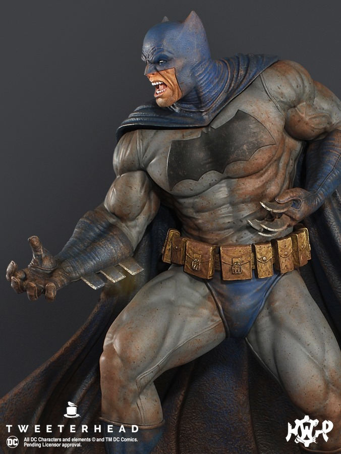 Dark Knight  1.6 Batman Maquette  Dark-Knight-1.6-Batman-Maquette-6