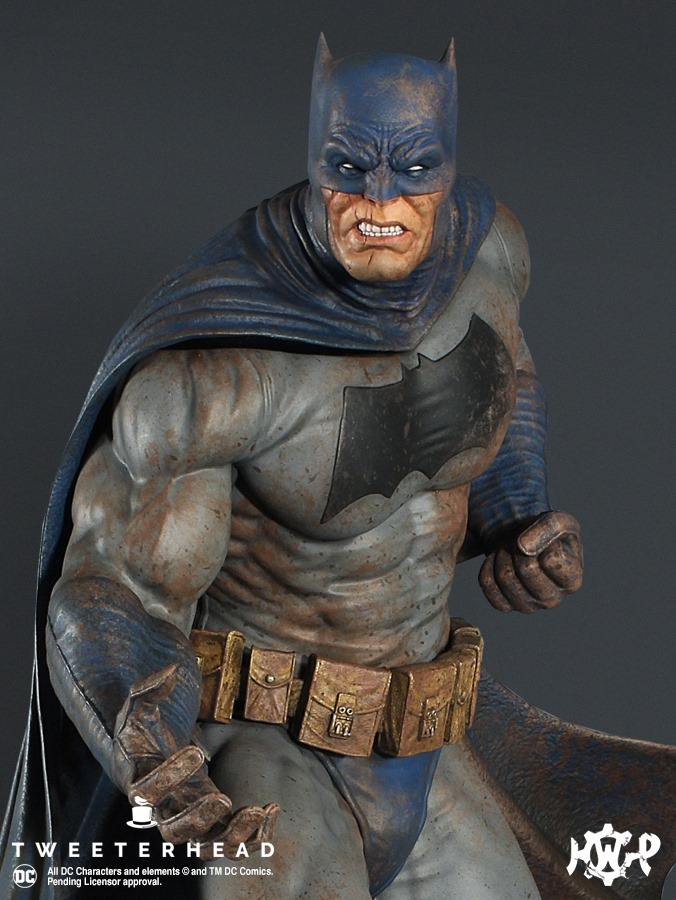 Dark Knight  1.6 Batman Maquette  Dark-Knight-1.6-Batman-Maquette-7