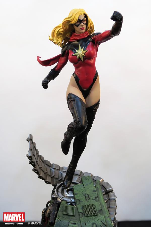 Premium Collectibles : Ms Marvel - Comics Version XM-miss-marvel-premium-01