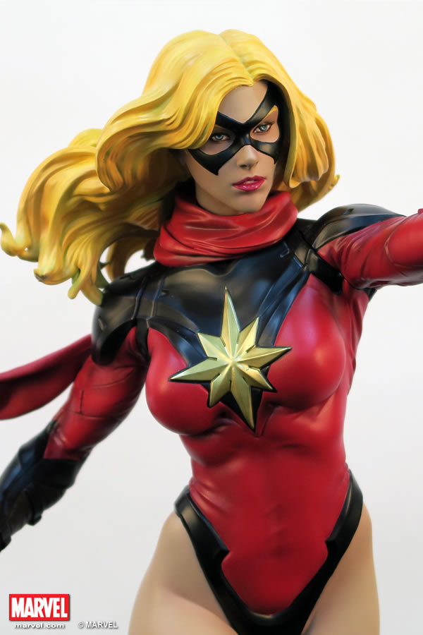 Premium Collectibles : Ms Marvel - Comics Version XM-miss-marvel-premium-02