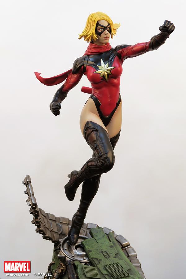 Premium Collectibles : Ms Marvel - Comics Version XM-miss-marvel-premium-04