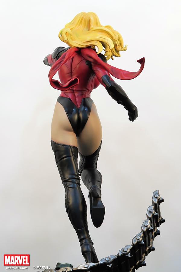 Premium Collectibles : Ms Marvel - Comics Version XM-miss-marvel-premium-07