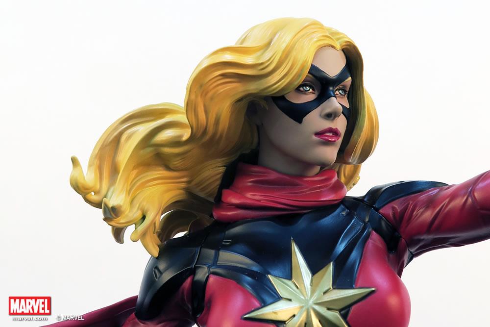 Premium Collectibles : Ms Marvel - Comics Version XM-miss-marvel-premium-10