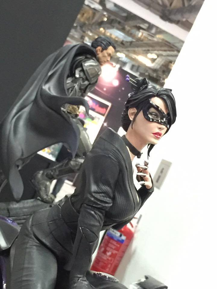 Premium Collectibles : Catwoman - Page 2 Catwoman_06