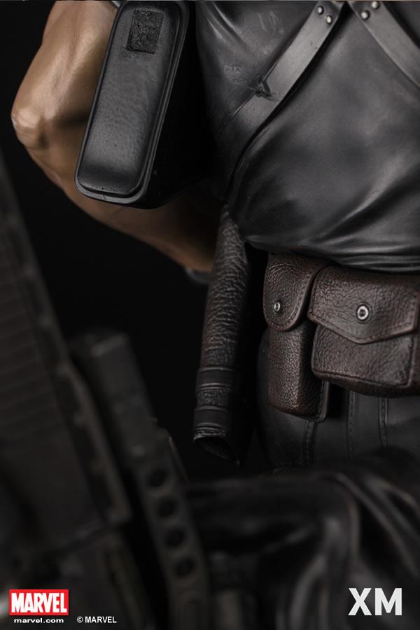 Premium Collectibles : Punisher XM-Punisher-premium-10