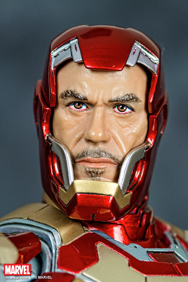 Premium Collectibles : Iron man MK XLII XM-iron-man-MK-XLII-premium-02
