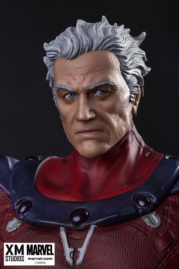 Premium Collectibles : Magneto on Sentinel Throne XM-magneto-on-throne-premium-02