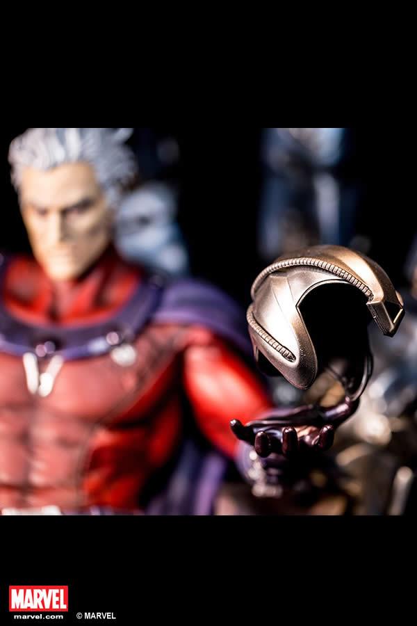 Premium Collectibles : Magneto on Sentinel Throne XM-magneto-on-throne-premium-07