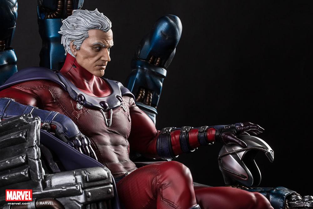 Premium Collectibles : Magneto on Sentinel Throne XM-magneto-on-throne-premium-11