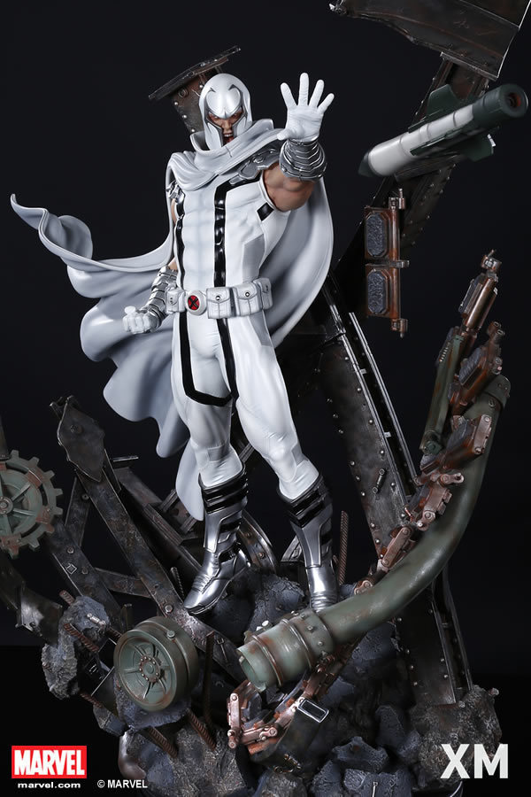 Premium Collectibles : Magneto White Version XM-magneto-white-version-premium-statue-05