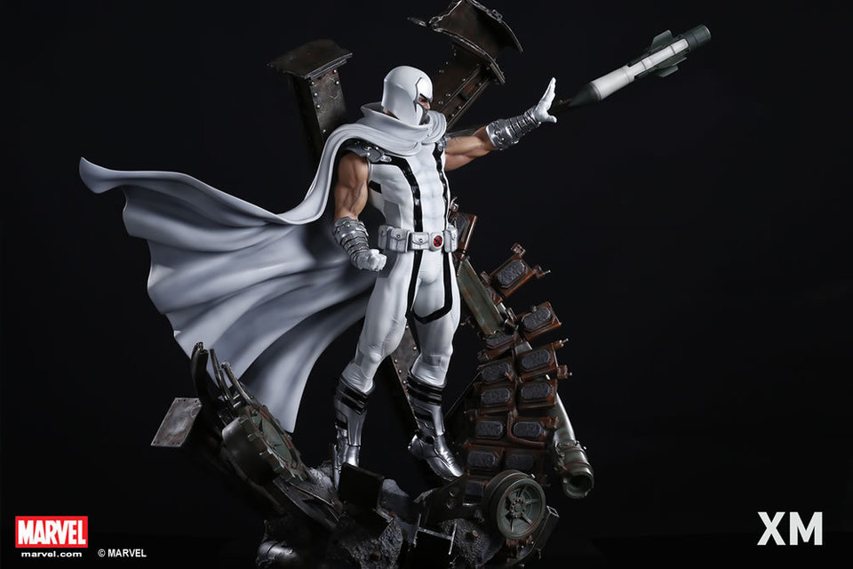 Premium Collectibles : Magneto White Version XM-magneto-white-version-premium-statue-11