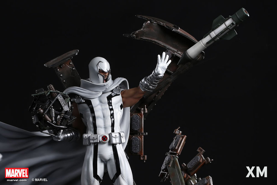 Premium Collectibles : Magneto White Version XM-magneto-white-version-premium-statue-12