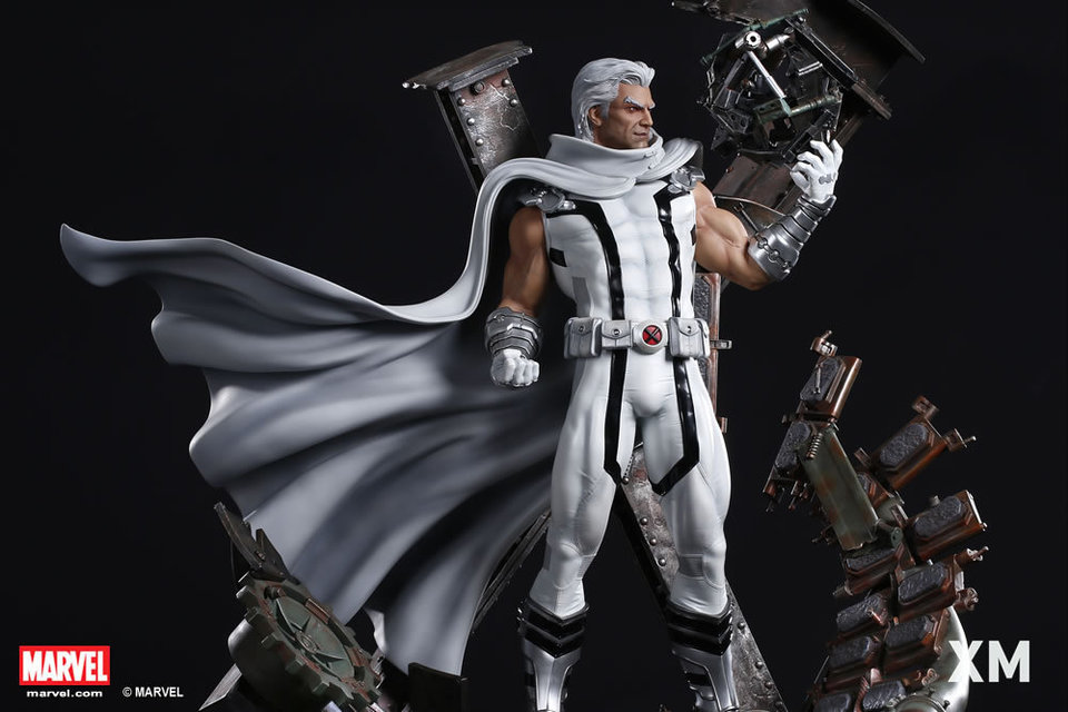 Premium Collectibles : Magneto White Version XM-magneto-white-version-premium-statue-14