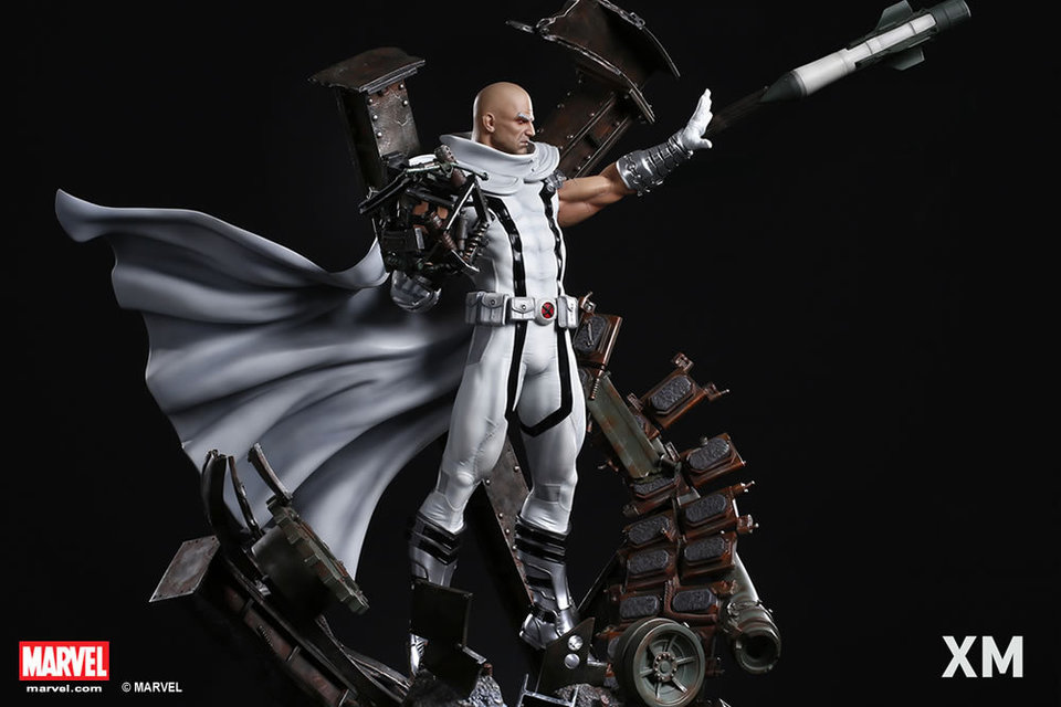 Premium Collectibles : Magneto White Version XM-magneto-white-version-premium-statue-16