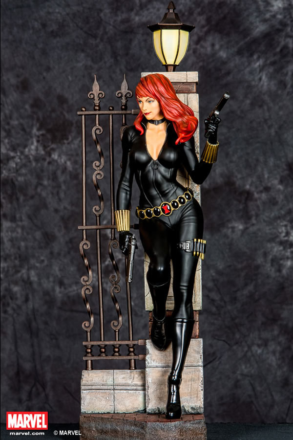 Premium Collectibles : Black Widow - Comics version Xm-black-widow-premium-01