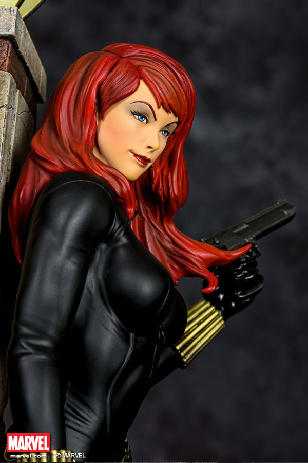 Premium Collectibles : Black Widow - Comics version Xm-black-widow-premium-02