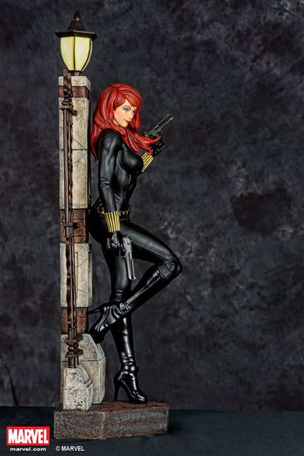 Premium Collectibles : Black Widow - Comics version Xm-black-widow-premium-03