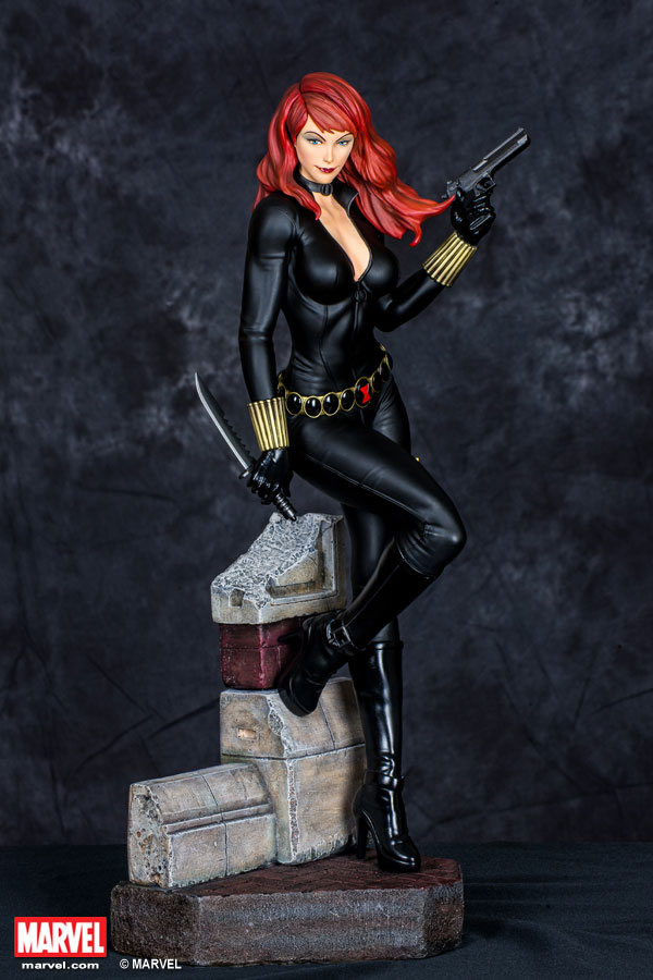 Premium Collectibles : Black Widow - Comics version Xm-black-widow-premium-05