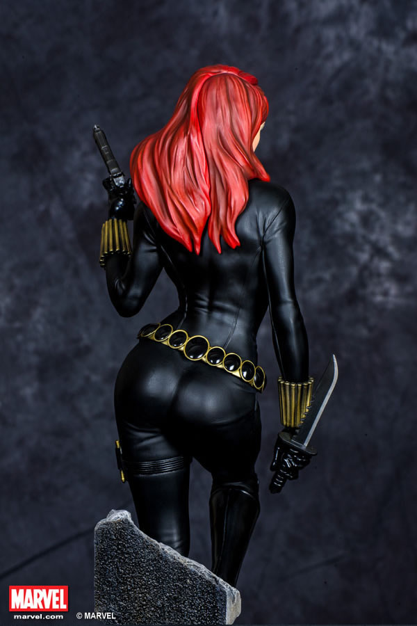 Premium Collectibles : Black Widow - Comics version Xm-black-widow-premium-06