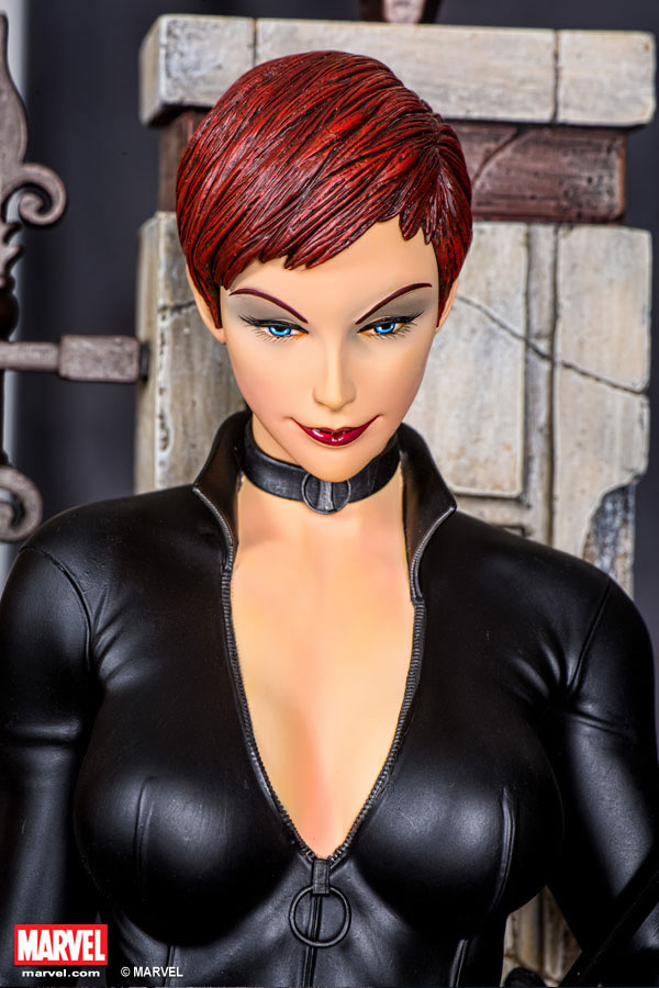 Premium Collectibles : Black Widow - Comics version Xm-black-widow-premium-08