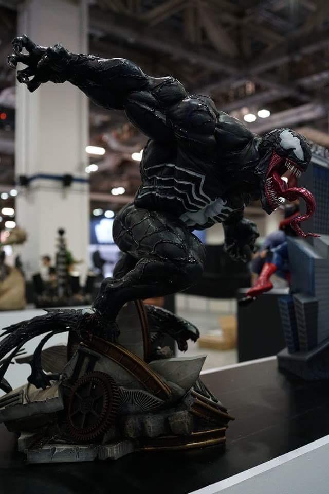Premium Collectibles : Venom - Comics Version - Page 3 Venom_02
