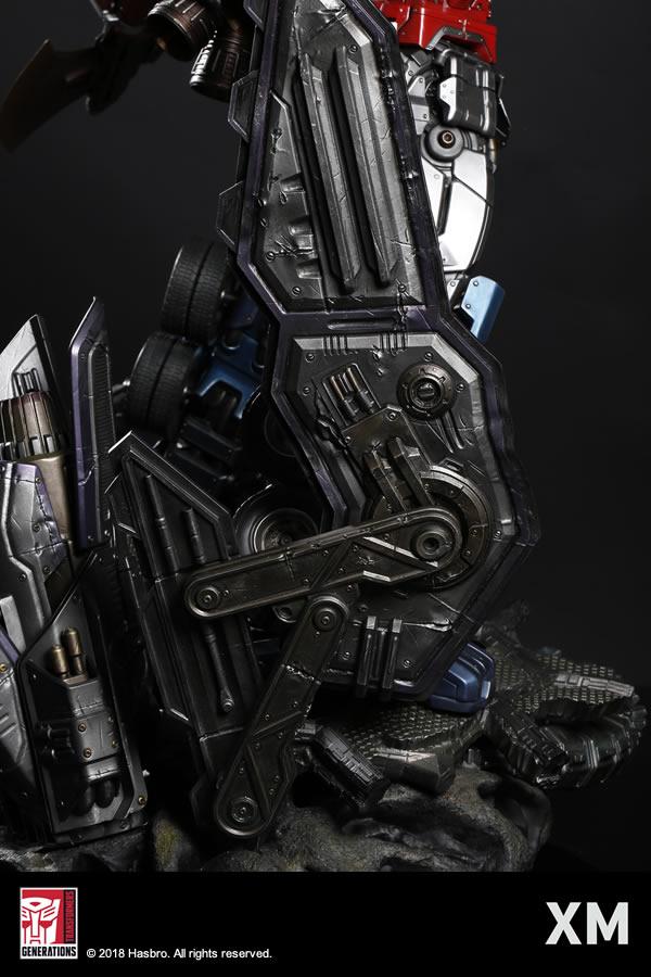 Premium Collectibles : Transformers - Optimus Prime (G1) XM-optimus-premium-13