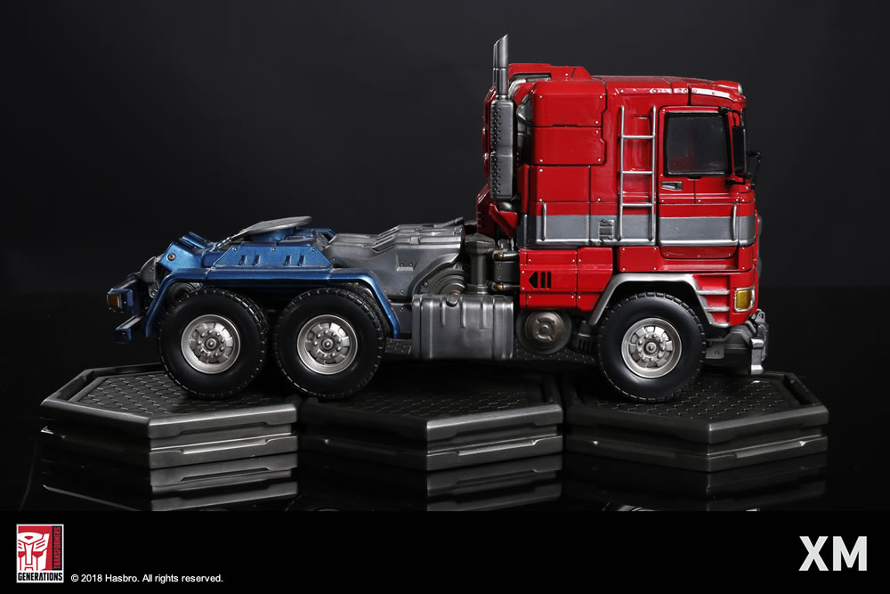 Premium Collectibles : Transformers - Optimus Prime (G1) XM-optimus-premium-23
