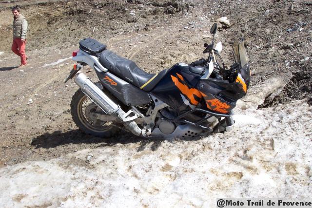 Vos plus belles photos de motos - Page 3 100_4054