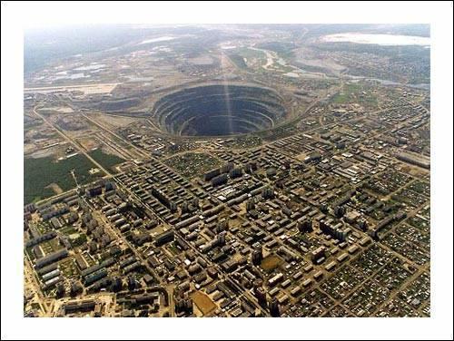 أكبر حفرة في العالم 1