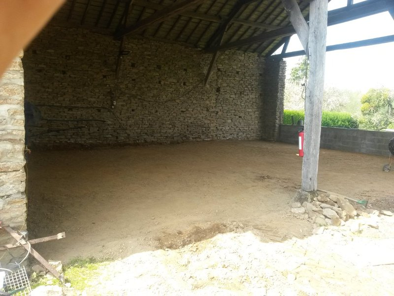 Photos de nos garages/ateliers - Page 26 Barn_levelled