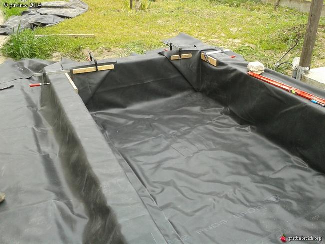 construction d'un bassin .. GBPIX_photo_624176