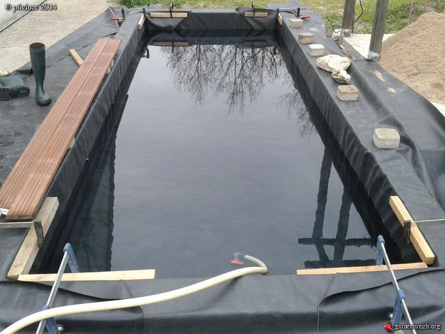 construction d'un bassin .. GBPIX_photo_624179