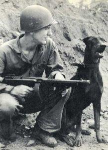 Devil's Dog : Les chiens de l'USMC dans le Pacifique  Crbst_dog7_5b1_5d