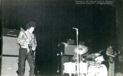 Shreveport (Municipal Auditorium) : 31 juillet 1968 Hendrix10T