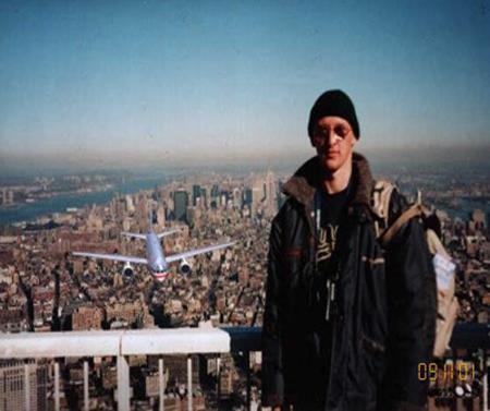 صور غريبة وجديدة لأحداث 11 سبتمبر... مبنى التجارة العالمي 2011-634509949051036870-103