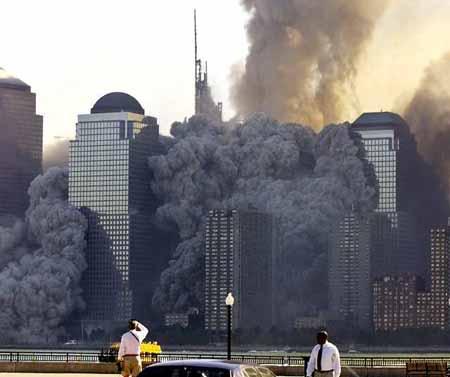 صور غريبة وجديدة لأحداث 11 سبتمبر... مبنى التجارة العالمي 2011-634509963218625460-862