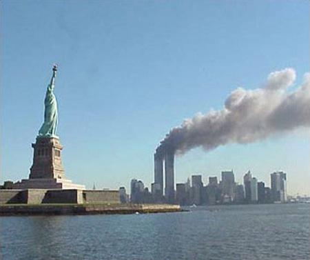 صور غريبة وجديدة لأحداث 11 سبتمبر... مبنى التجارة العالمي 2011-634509965820074921-7