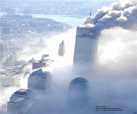 صور غريبة وجديدة لأحداث 11 سبتمبر... مبنى التجارة العالمي 2011-634509970202039433-203