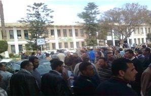 معلموا  بالبحيرة يهددون بالإضراب عن العمل 2013-634930633522892677-289_main_thumb300x190