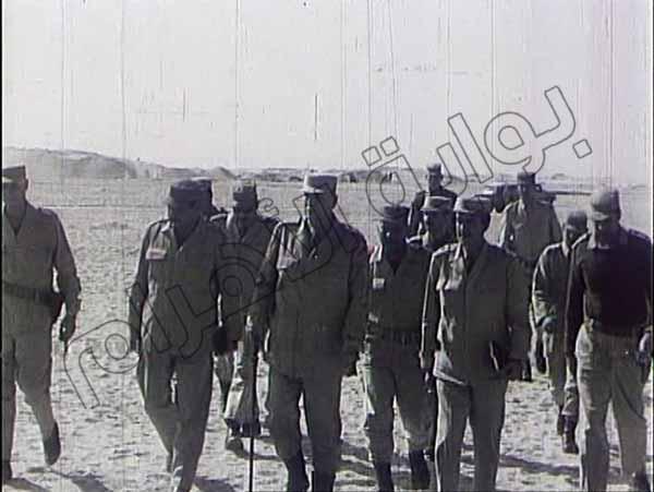 صور نادرة لقادة وضباط الجيش والجنود أثناء إدارة العمليات في حرب أكتوبر 2013-635164802687883717-788