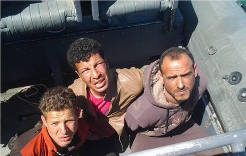 المتحدث العسكرى ينشر صور المتهمين بقطع كابل الإنترنت البحرى.. الذين قبضت عليهم القوات البحرية 2013-635000202987137905-713_main