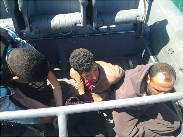 المتحدث العسكرى ينشر صور المتهمين بقطع كابل الإنترنت البحرى.. الذين قبضت عليهم القوات البحرية 2013-635000203430333905-33