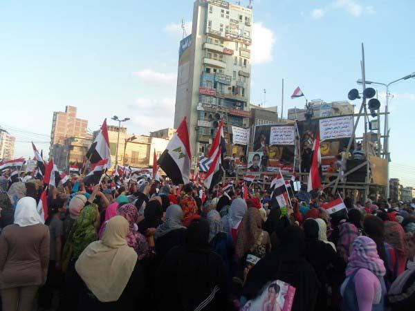 """.. تظاهر الآلاف في ميدان الشون بالمحلة.. وسط هتافات """"قول ما تخفشي مرسي لازم يمشي"""" 2013-635083105307218966-721"""